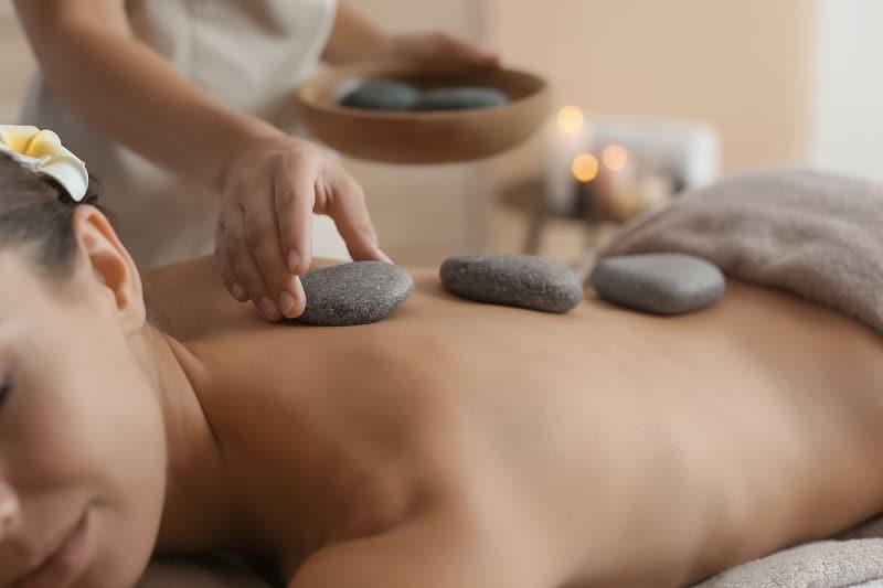 massage-pierre-chaude